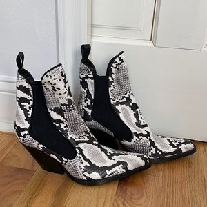 Zara Black Cowboy Ankle Pointed Snakeskin Boots